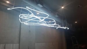Эксклюзивный светильник из газосветных, неоновых ламп.